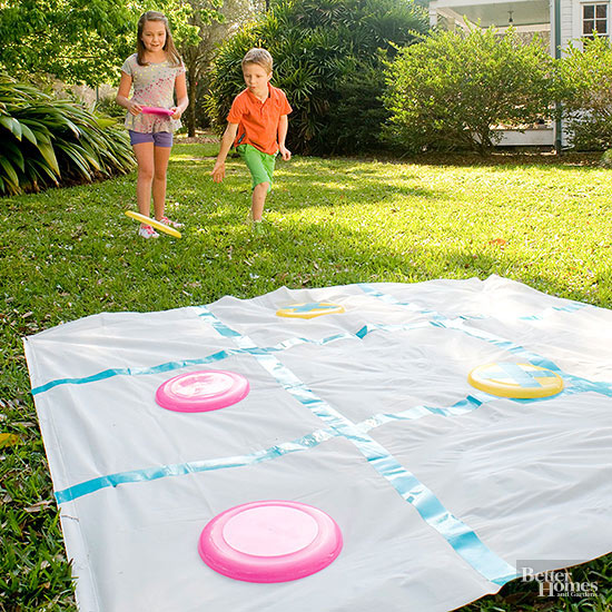 Outdoor Party Games for Kids Frisbee